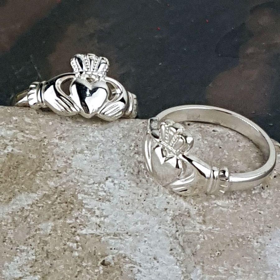 Claddagh ring Mens silver claddagh ring