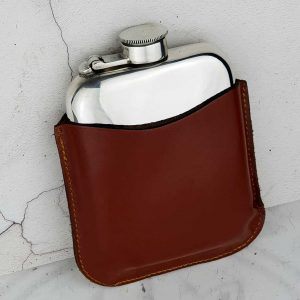 Personalised Galway Hooker Hip Flask In Leather Pouch. FREE Engraving, Galway Hooker Engraving, Capture Top, Lift-Off Lid Box & Velour Pouch. Leather Pouch, Pouch Engraving & Gift Wrapping Option.