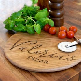 Personalised Pizza Board made in Oak engraved with Name. Laser engraved script font Name Personalised Pizza Board with handle & jute rope hanger.