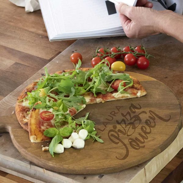Personalised Pizza Board with Name Laser Engraved above the words Pizza Queen. Pizza Queen 12 inch Oak Pizza Board with Handle & Jute Rope loop hanger.