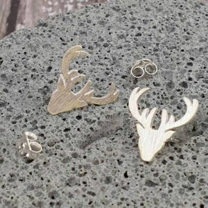 Christmas Reindeer Silver Earrings with Optional Gift Wrapping Delivered Direct to your loved one. Sterling Silver Reindeer Earrings in Brushed Finish.
