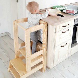 Kids Kitchen Tower With Blackboard. Toddler Kitchen Helper Montessori Tower With Chalk Blackboard in Natural Pine Wood Finish. Adjustable. 90x30cm.